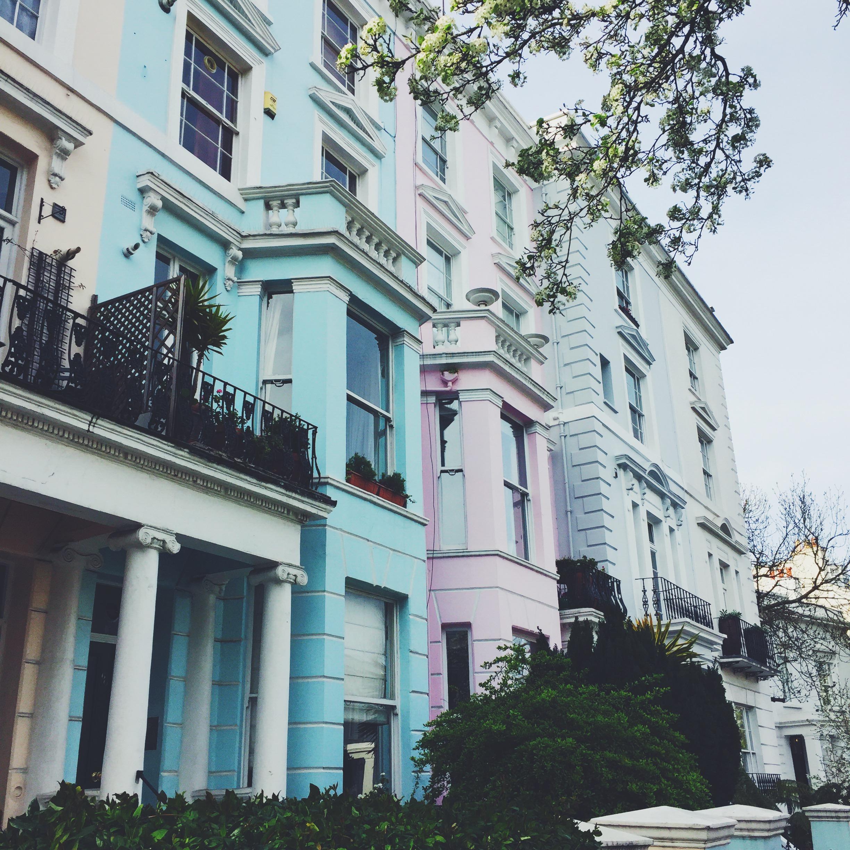 Les maisons pastels de Notting Hill